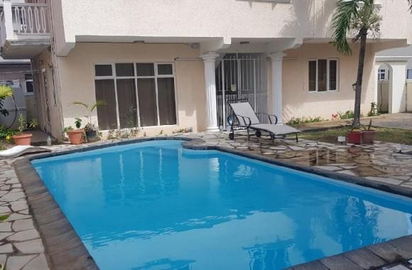 Furnished renting - Apartment - flic-en-flac